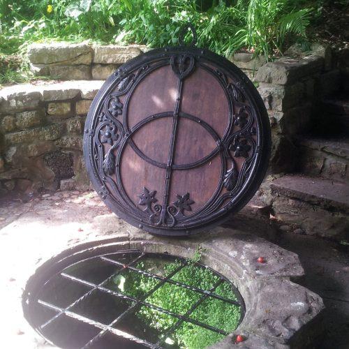 Deksel van de Chalice well